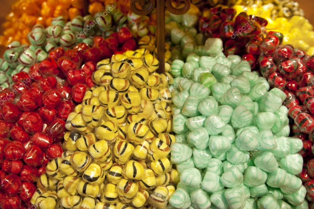 Spanien - 28. Mai 2014: Madrid City Centre-Geschenk-Shop ... | {Süßigkeiten & gebäck 13}