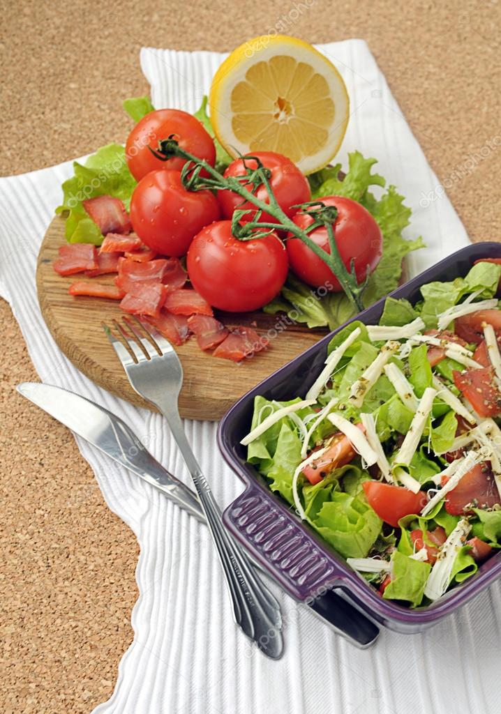 Smoked salmon salad with vegetables
