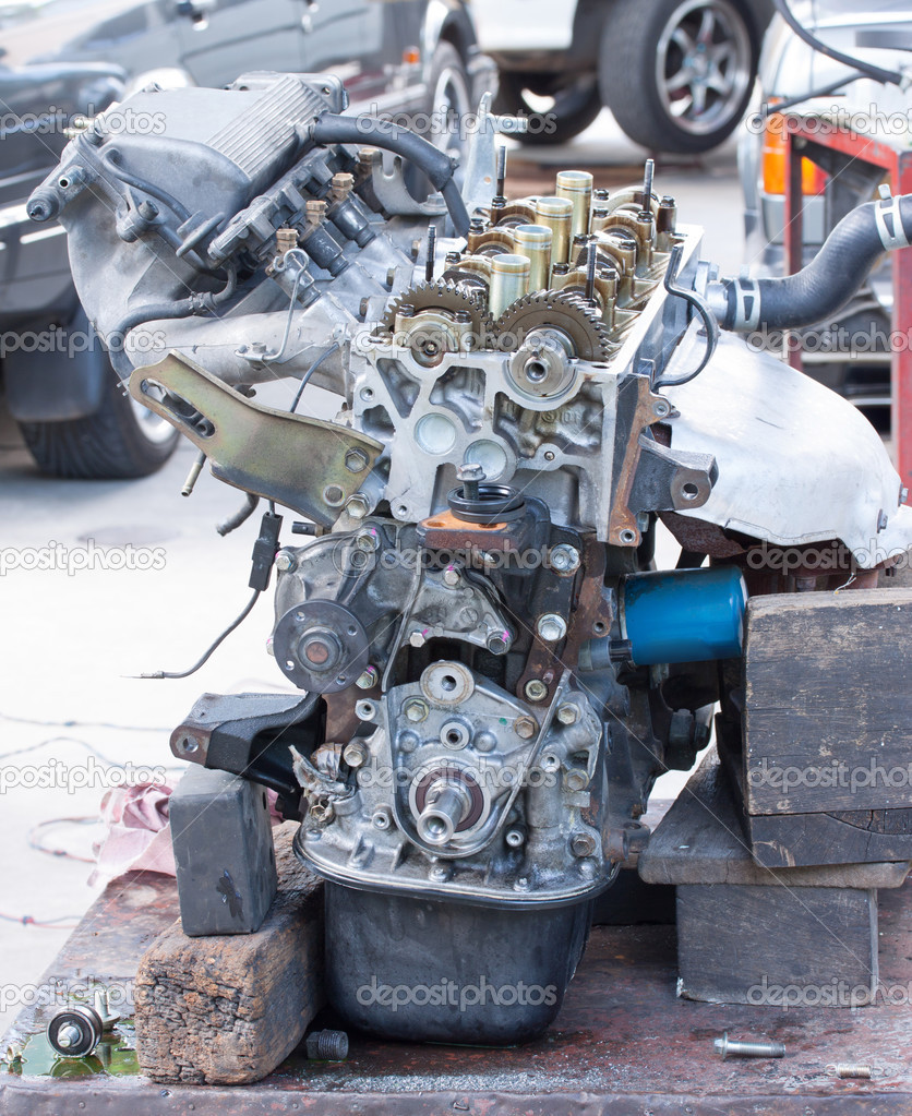 Auto-Motor - Lager Bild — Stockfoto © jeffy1139 #36938275