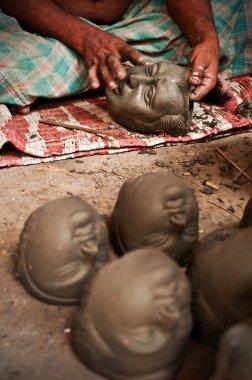 Clay artisan at work