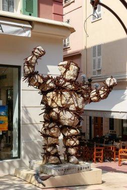 Max Cartier sculpture in Monte Carlo