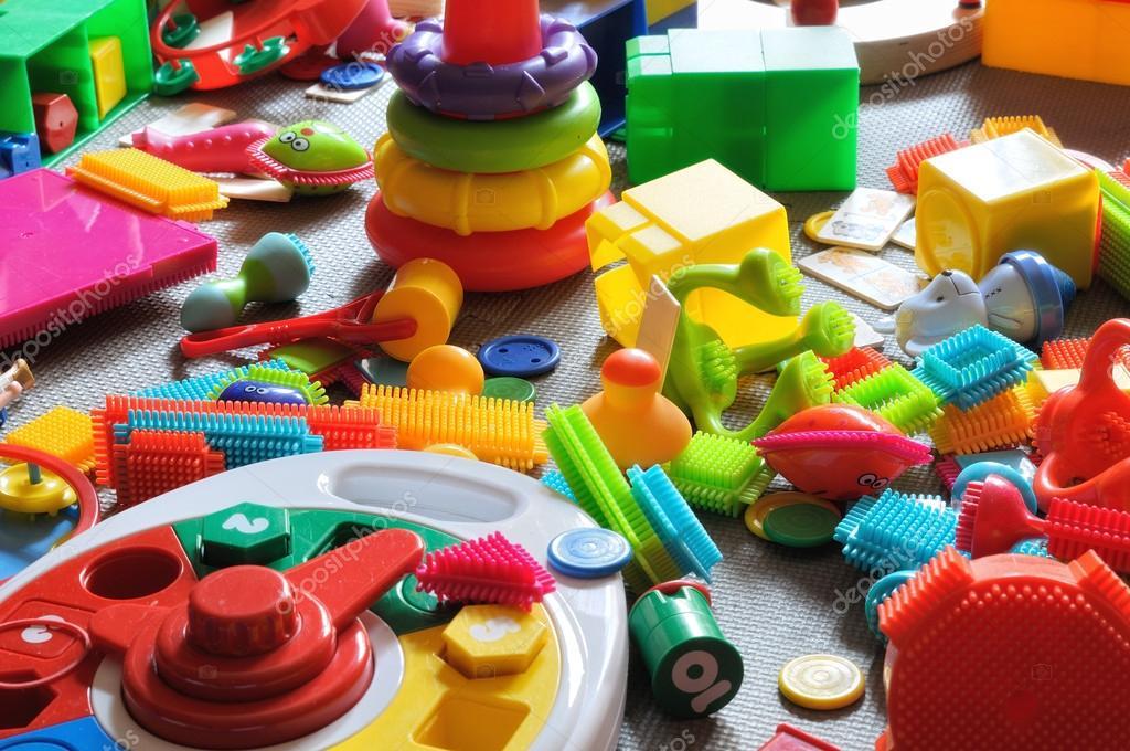 Juguetes para ni os de la zona foto de stock davizro - Cosas para guardar juguetes ...