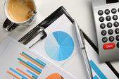 Pohled shora finanční grafy analýzy