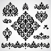Legen Sie mit klassischen Ornamenten