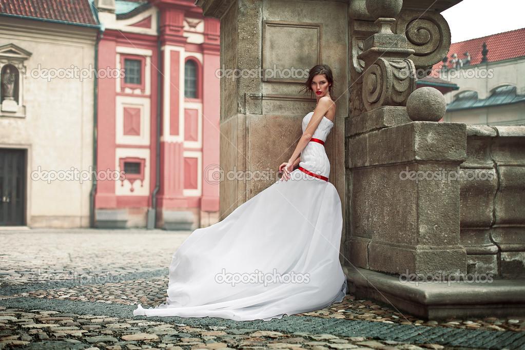 Novias vestidas de calle