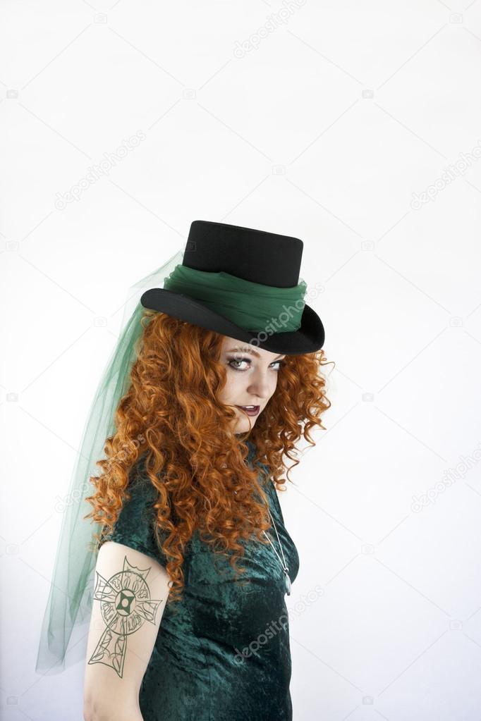 Femme Avec Tatouage Croix Celtique Photographie Cindygoff C 45287061
