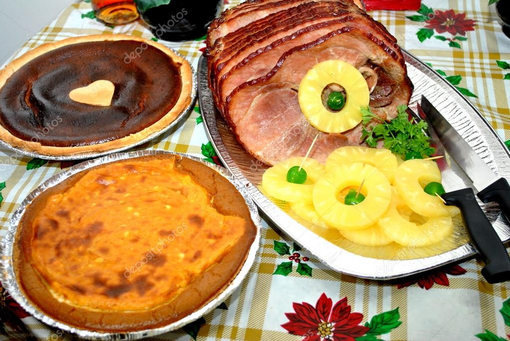 Christmas Ham Dinner with Pineapples and Side Dishes — Stock Photo ...