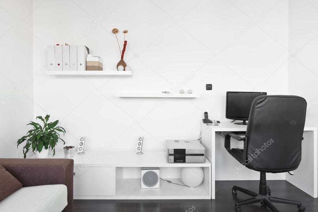 Modernen Wohnzimmer Mit Computertisch Und Der Bildschirm Sofa T Stockfoto 38867549