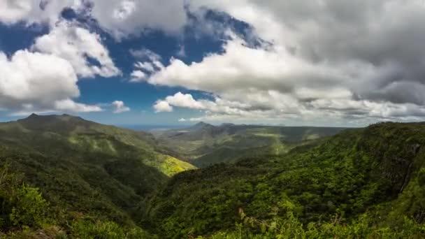 Black river gorge mraky timelapse, Mauricius