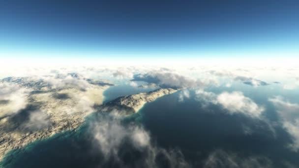 Fliegen Sie in Wolken über der Insel