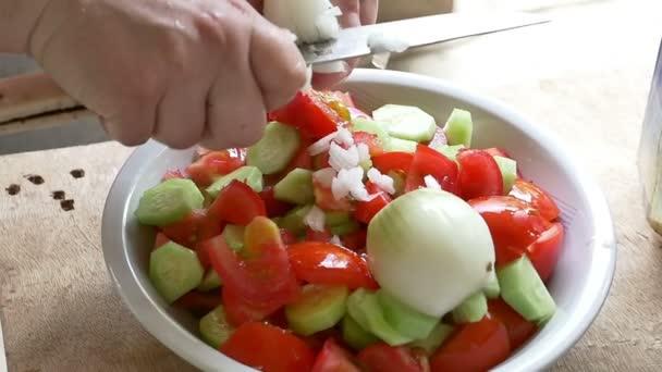 így a saláta-lassú mozgás