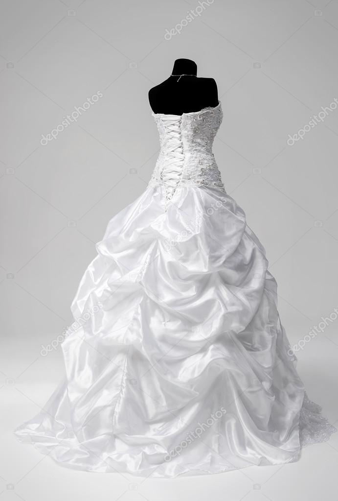 vestido de novia en un maniquí — fotos de stock © idal #39291855