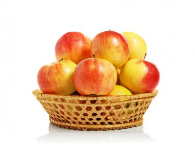 Ripe apples in a wum bowl