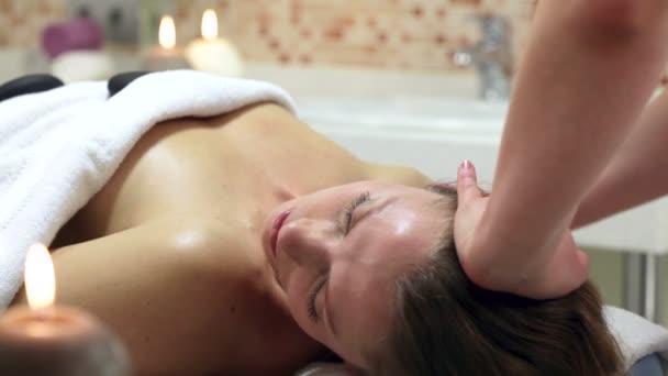 a nő egyre spa kezelés