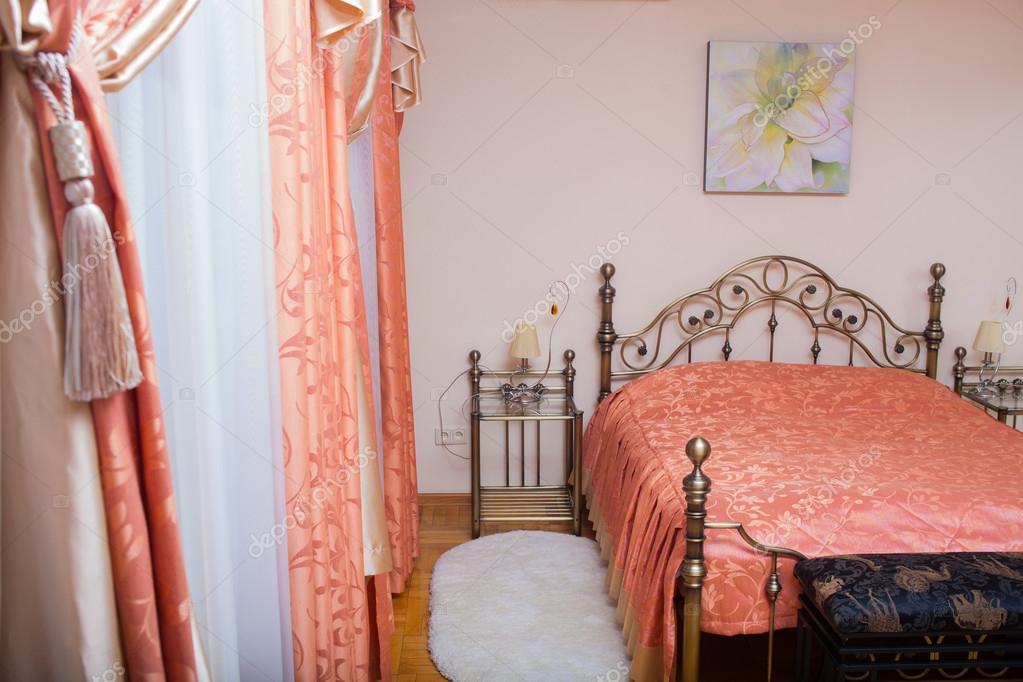 Gordijnen In Slaapkamer : Interieur kamer gordijnen gordijnen slaapkamer u stockfoto