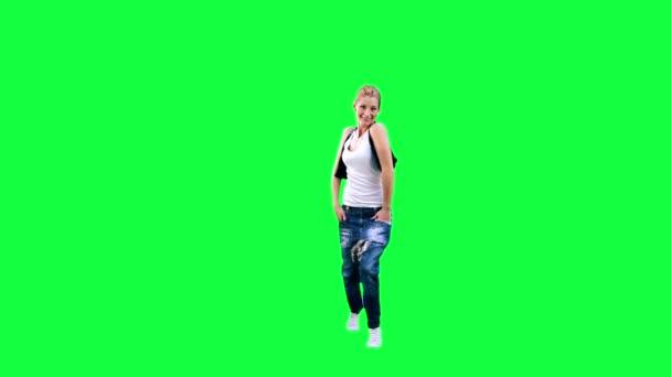 Tančící dívka na zeleném pozadí
