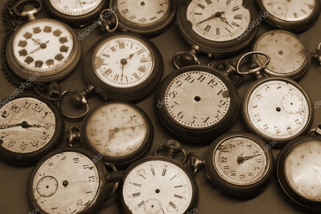 Relojes Antiguos Fotos De Stock Archeophoto 38933901