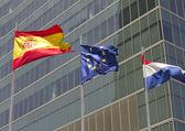 Evropské, španělské a francouzské vlajky