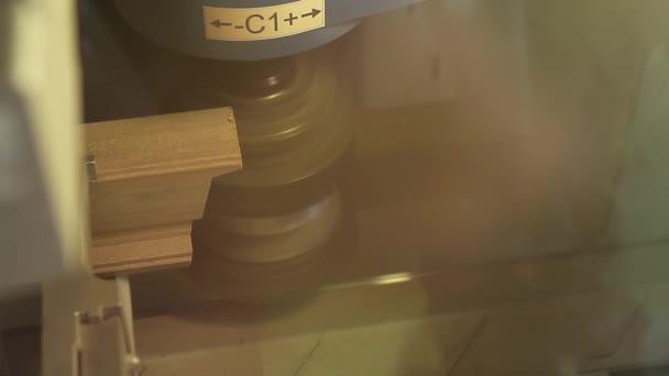 Kanon Trä profil skärare, cnc fräs — Stockvideo © SunnyFenny #40661103 IM-82