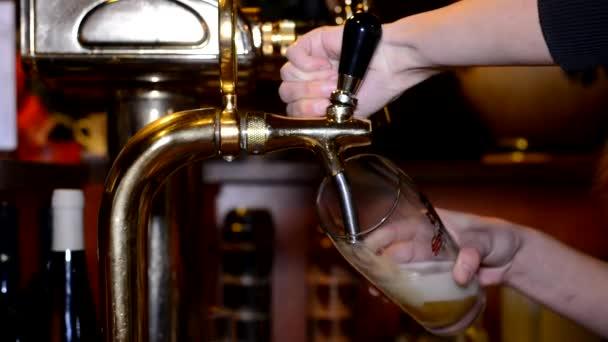 sör a kocsmában