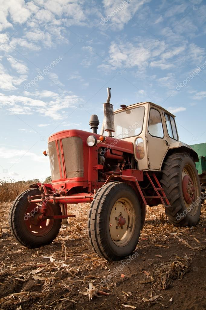 Трактор в поле картинка на памятник