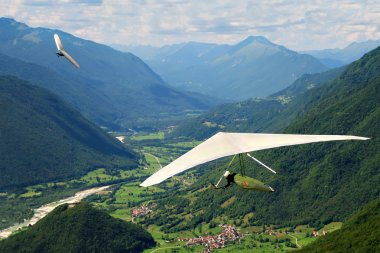 Hang gliding in Slovenia