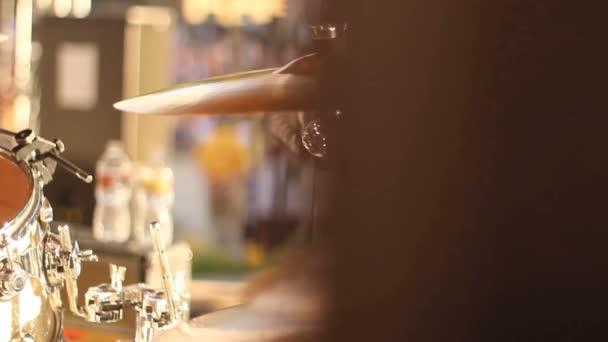 a koncerten játszott dob