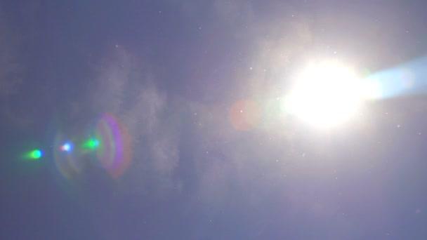 pyl v pomalém pohybu vzduchu