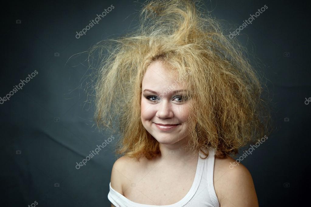Femme Hirsute Photo femme drôle hirsute — photographie vasyashepella © #40787635