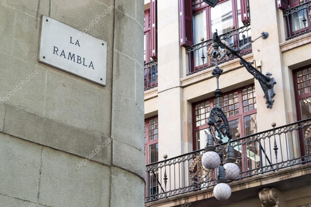 panneau de signalisation de la rambla de rue barcelone photographie enrico lapponi 49849583. Black Bedroom Furniture Sets. Home Design Ideas