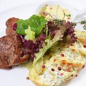 brambory s masem ve smetanové omáčce s pepřem