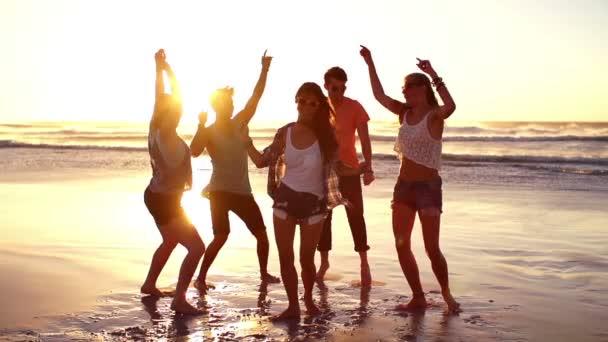 Přátel na pláži