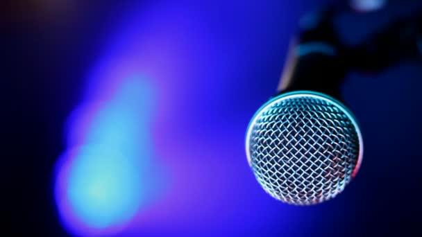 mikrofon és koncert fények