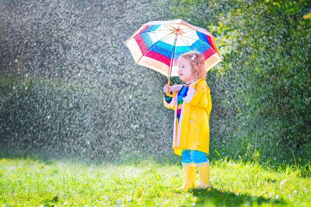 BebeNiño Jugando Lluvia La Bajo Con Paraguas Gracioso b7vYyf6g