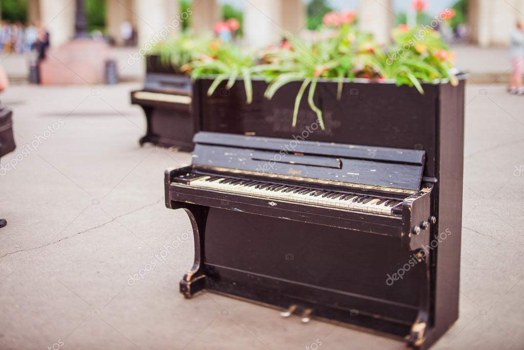 The piano in the Park