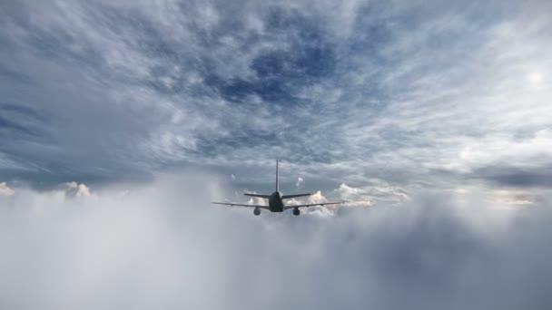 letadlo letí mezi mraky