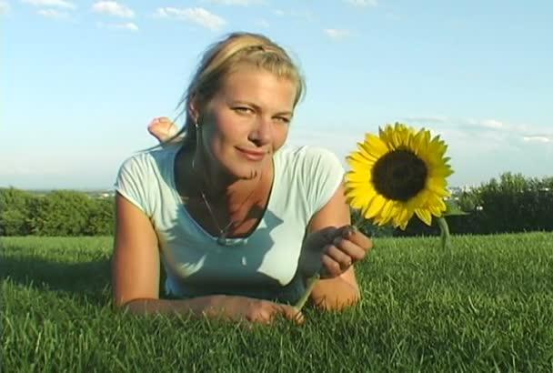 Slunečnice dívka