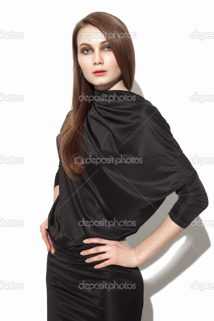 2927a323fb2 Красивая модель носить черное платье и смотреть — Фото автора ...