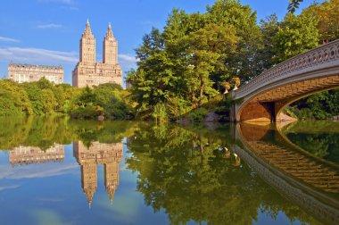 Bow Bridge and Pond, Central Park, Manhattan New York