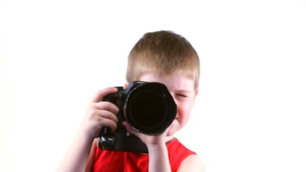 malý chlapec s kamerou
