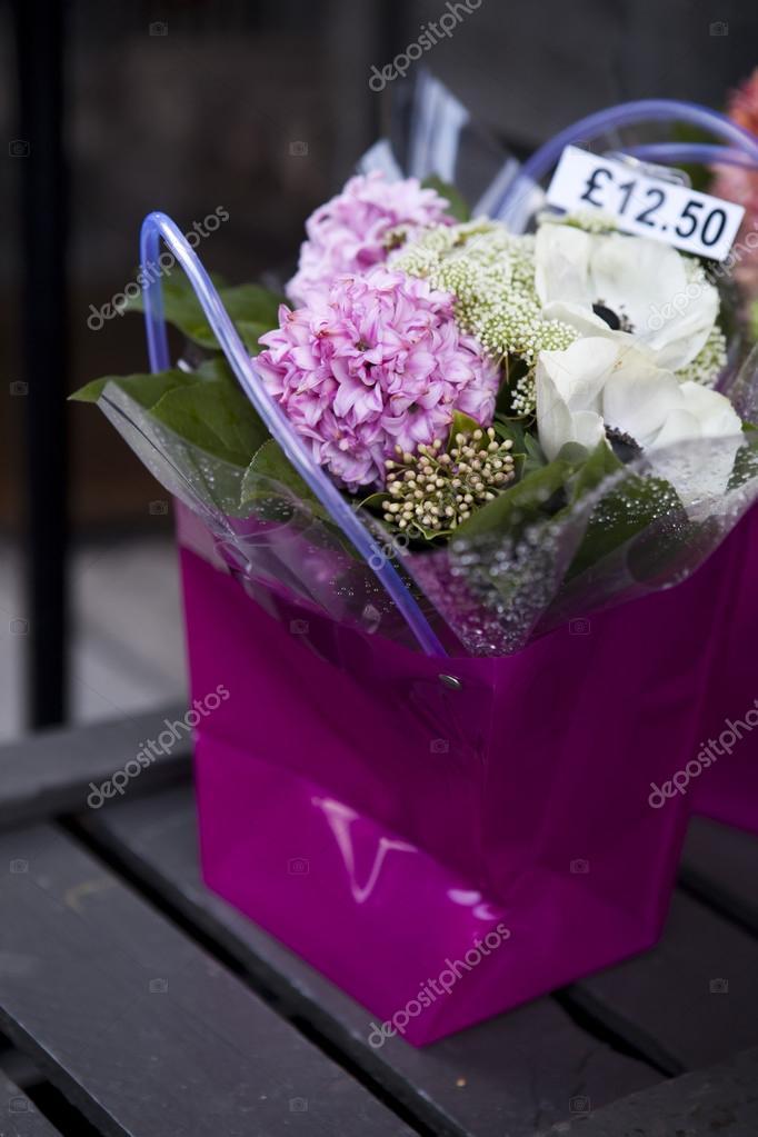Цветок в посылке фото