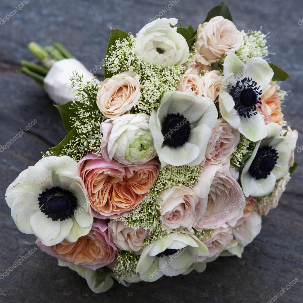 Matrimonio In Rosa E Bianco : Matrimonio bouquet di rose rosa e anemone bianco