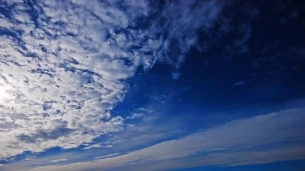 čas zanikla obloha