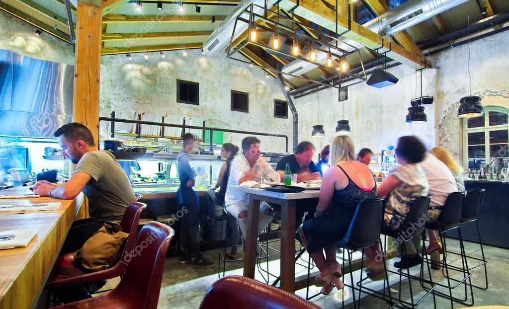 offene Küche restaurant — Redaktionelles Stockfoto © dnaveh #51466419