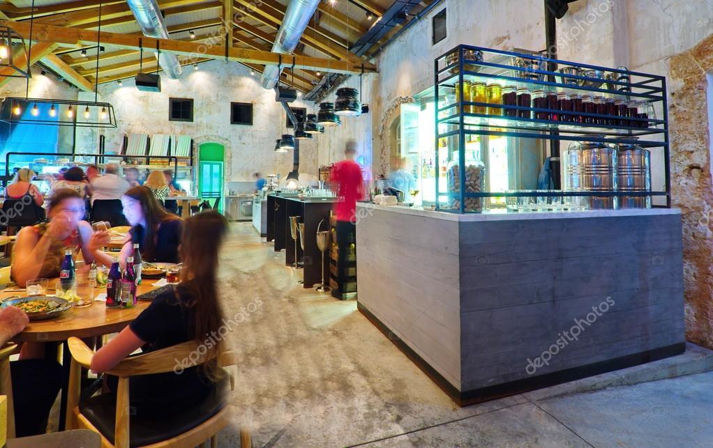 offene Küche restaurant — Redaktionelles Stockfoto © dnaveh #51466997