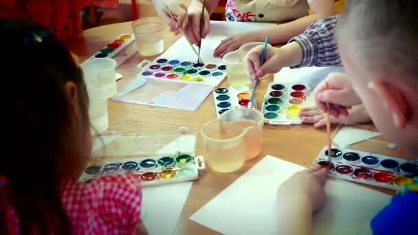egy akvarell felhívni a gyermekek