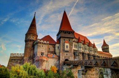 Corvinesti Castle, Romania