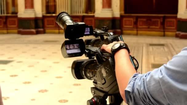 Television cameras - cameraman set camera (studio)