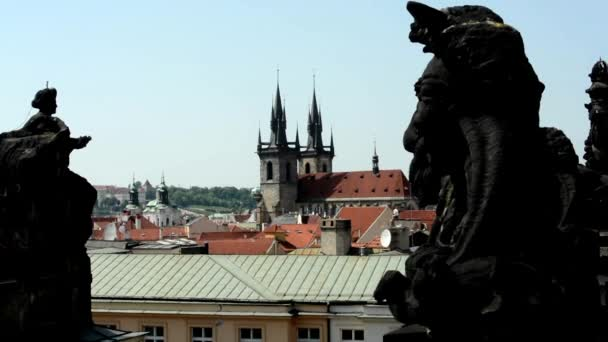 Praha, Česká republika. pohled od střechy se sochami