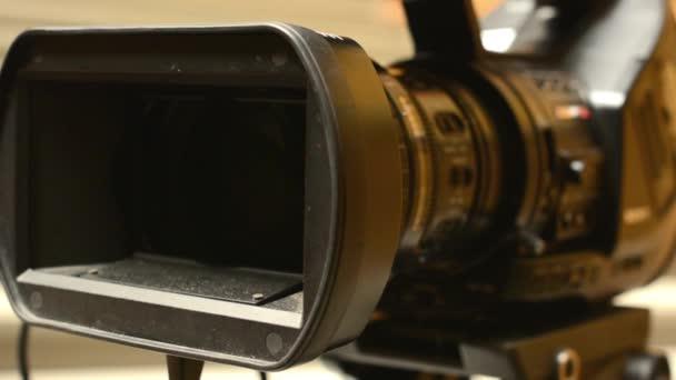 Fotografie Television cameras - cameraman set camera (studio)